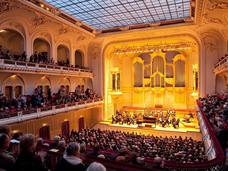 """Grand Concert Hall """"Laeiszhalle"""" in Hamburg"""